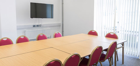 480 x 227 meeting room
